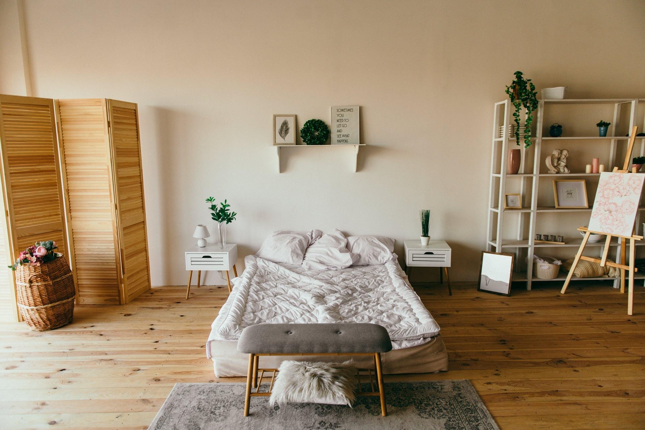 Небанальный декор для комнаты девушки: 9 предметов не дороже 1 500 рублей