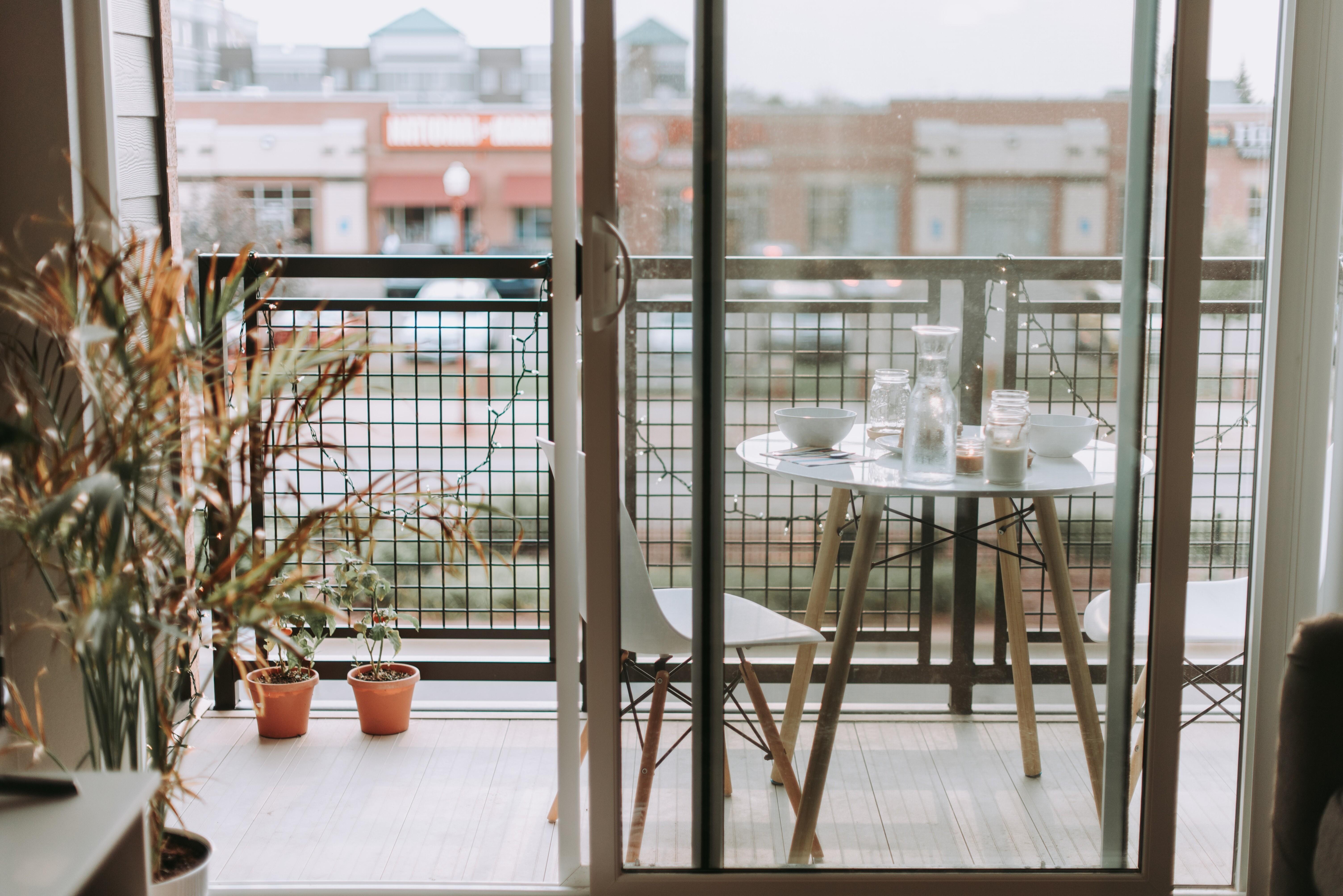 Современные идеи для дизайна балкона (48 фото)