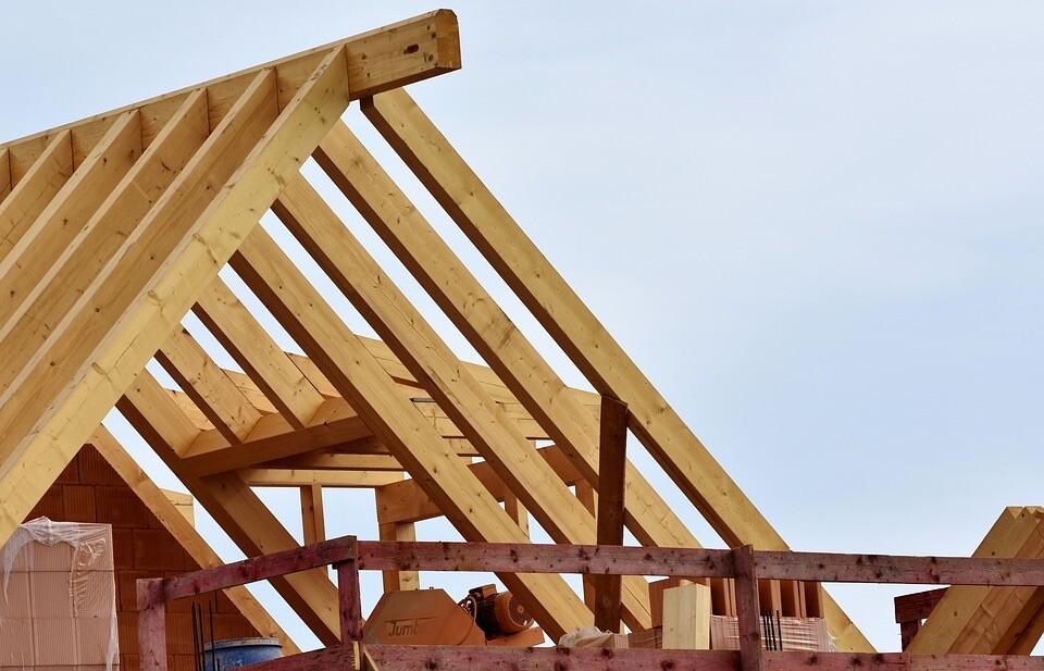 Новое в законодательстве: деревянный дом все еще можно взять по льготной ипотеке