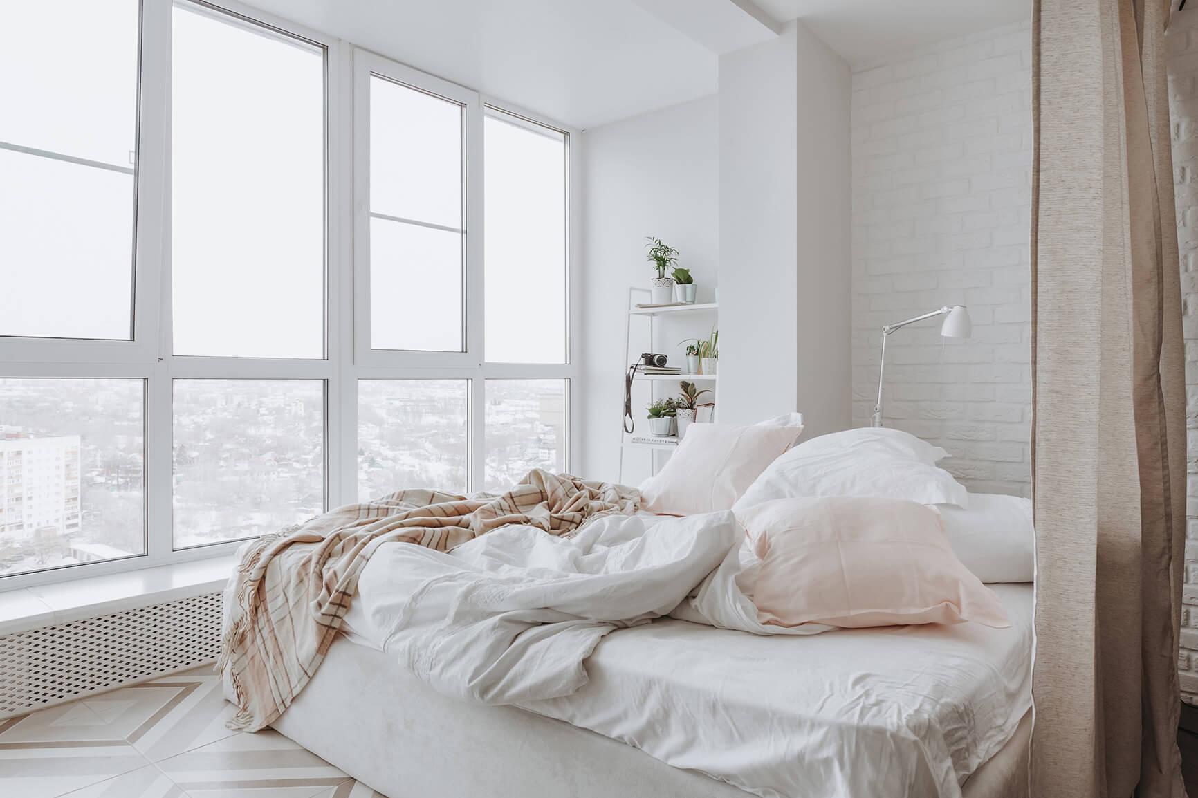 Спальня на лоджии фото