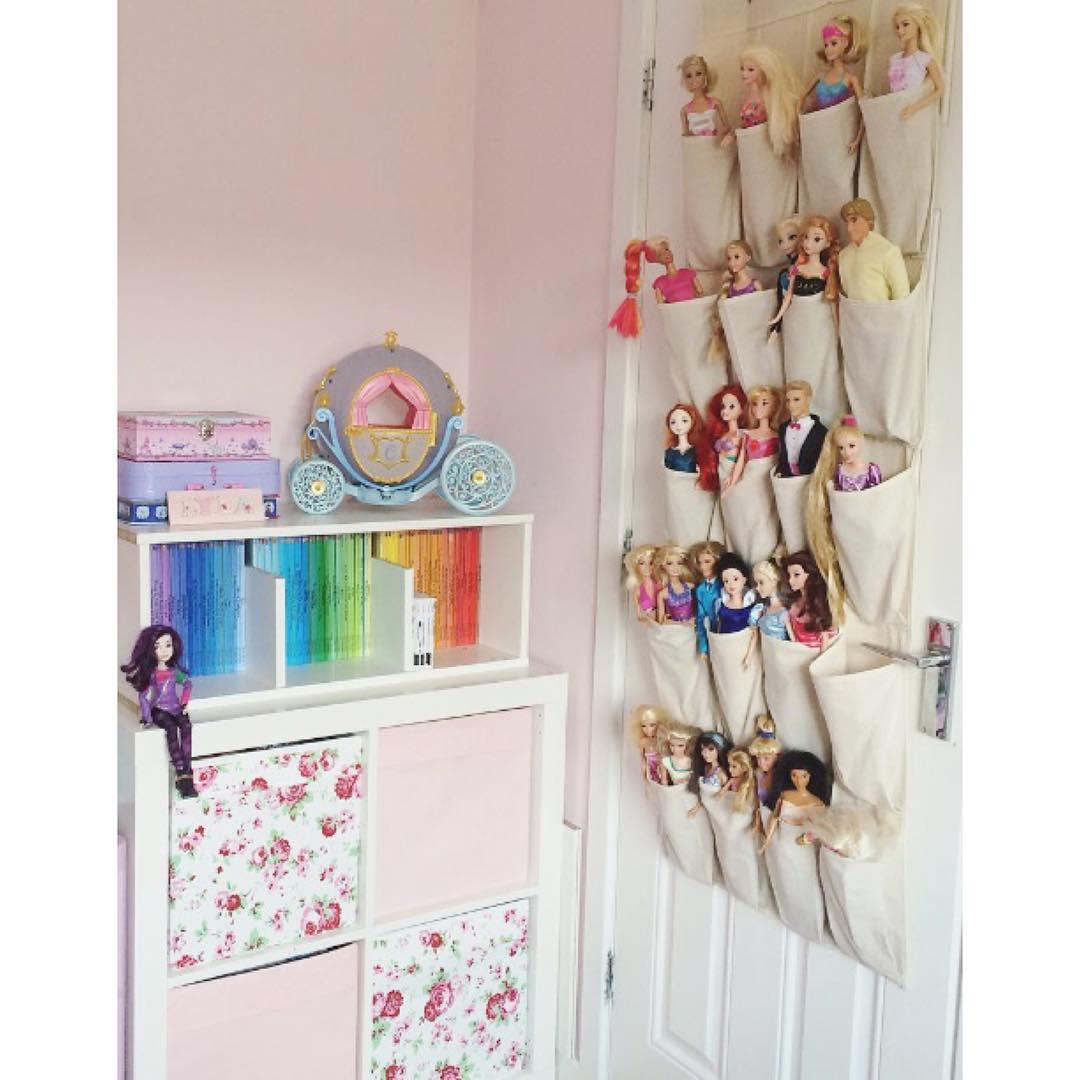 хранение на обратной стороне двери фото органайзер игрушки на дверь