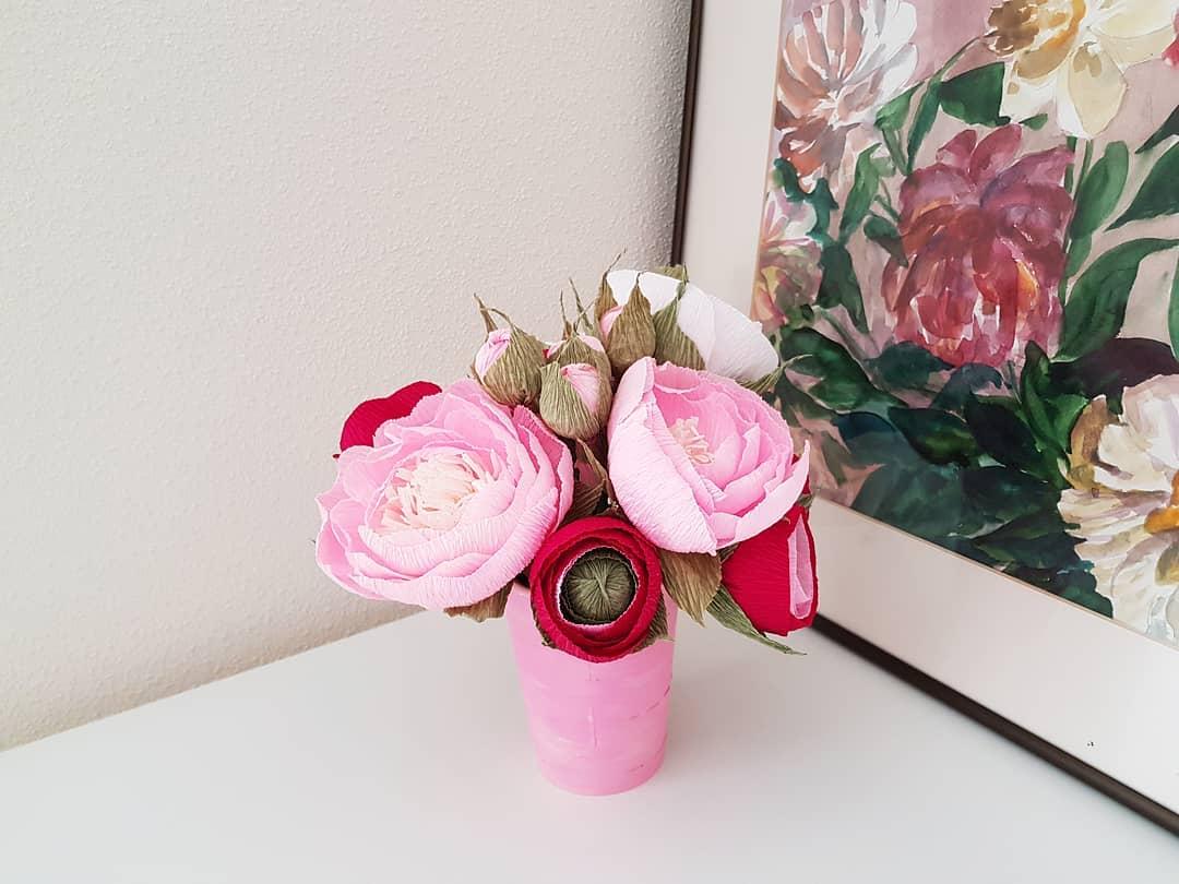декоративные цветы из бумаги дизайн интерьера фото
