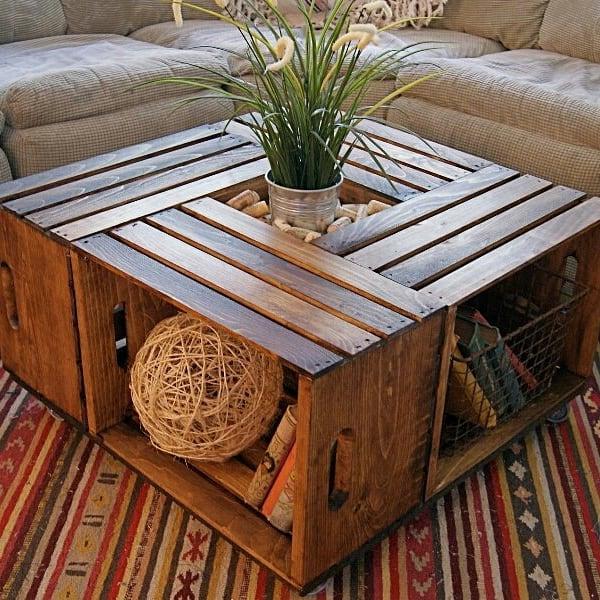 Столик из деревянных ящиков своими руками: фото в интерьере