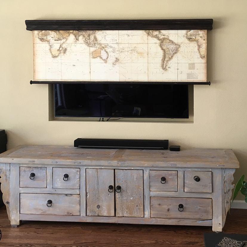 Как спрятать телевизор в дачном кантри-интерьере: фото