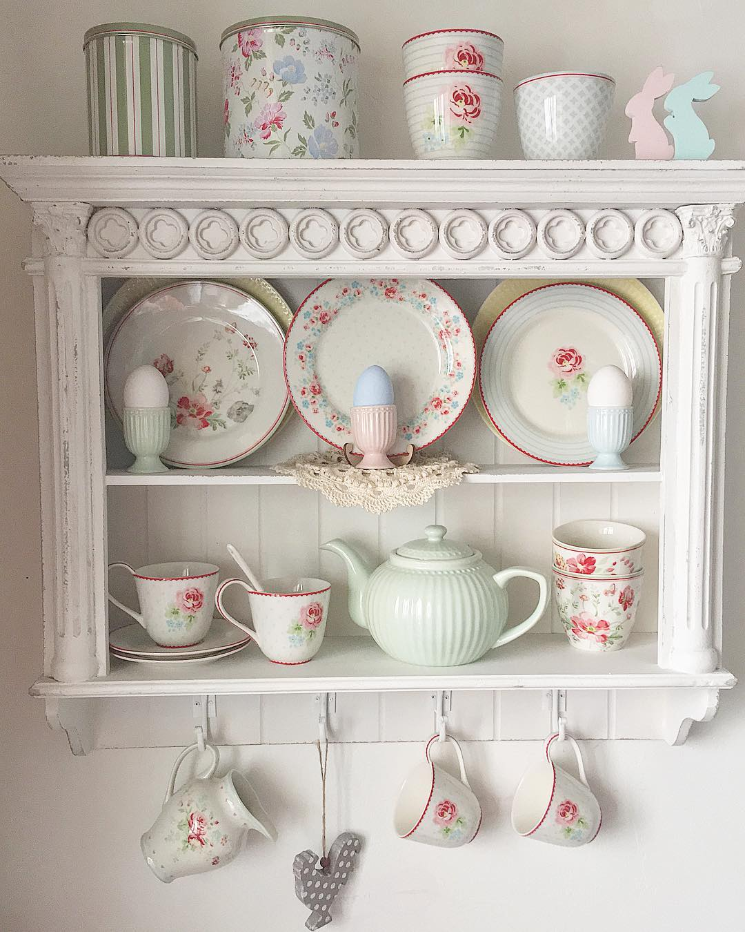 Посуда для дачного интерьера в стиле кантри: фото