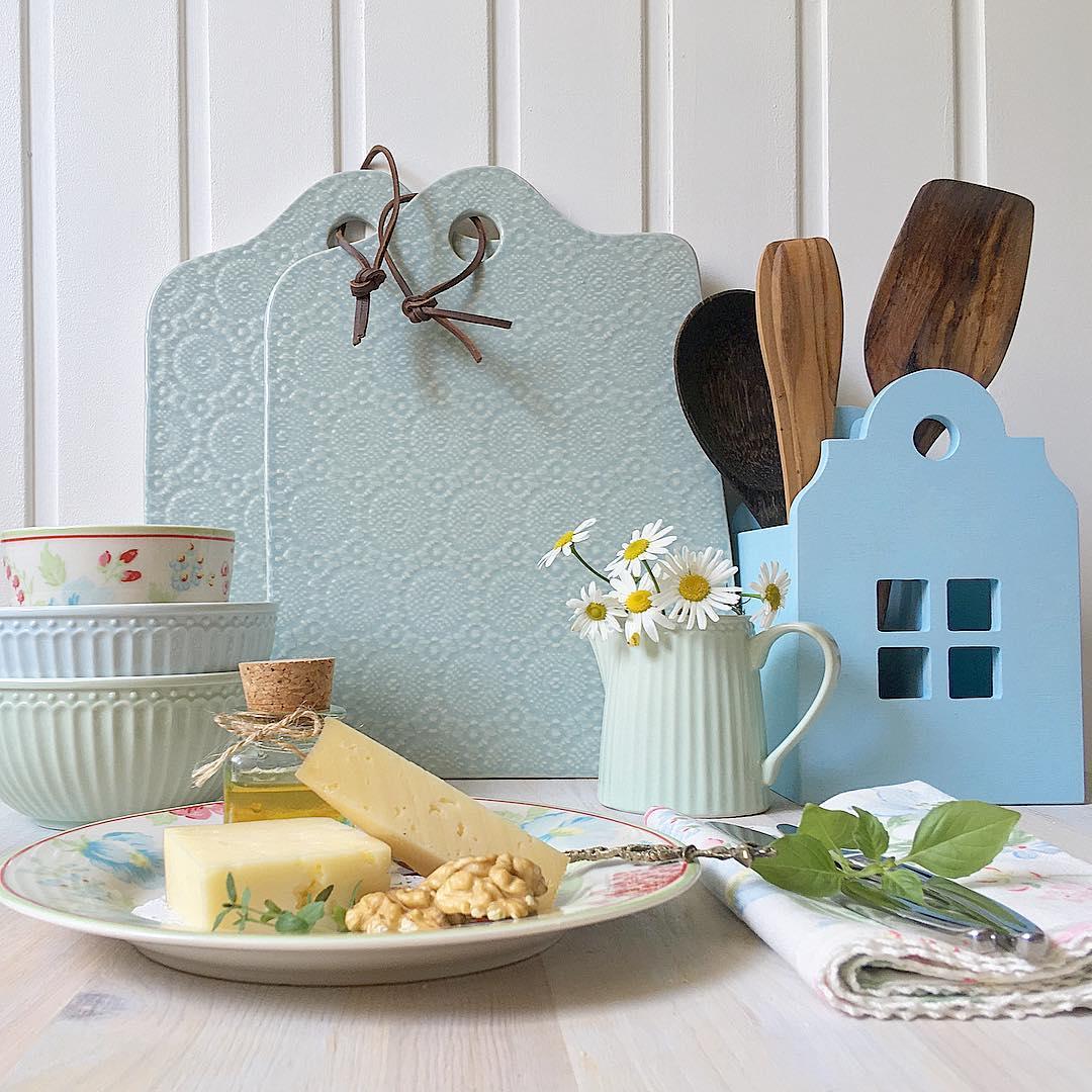 Посуда для интерьера в стиле кантри: фото