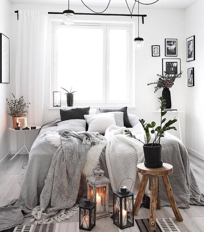 Красивый текстиль на кровати фото