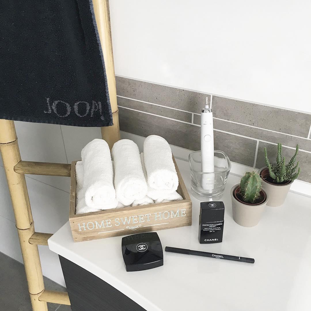 Полотенца в ванной фото
