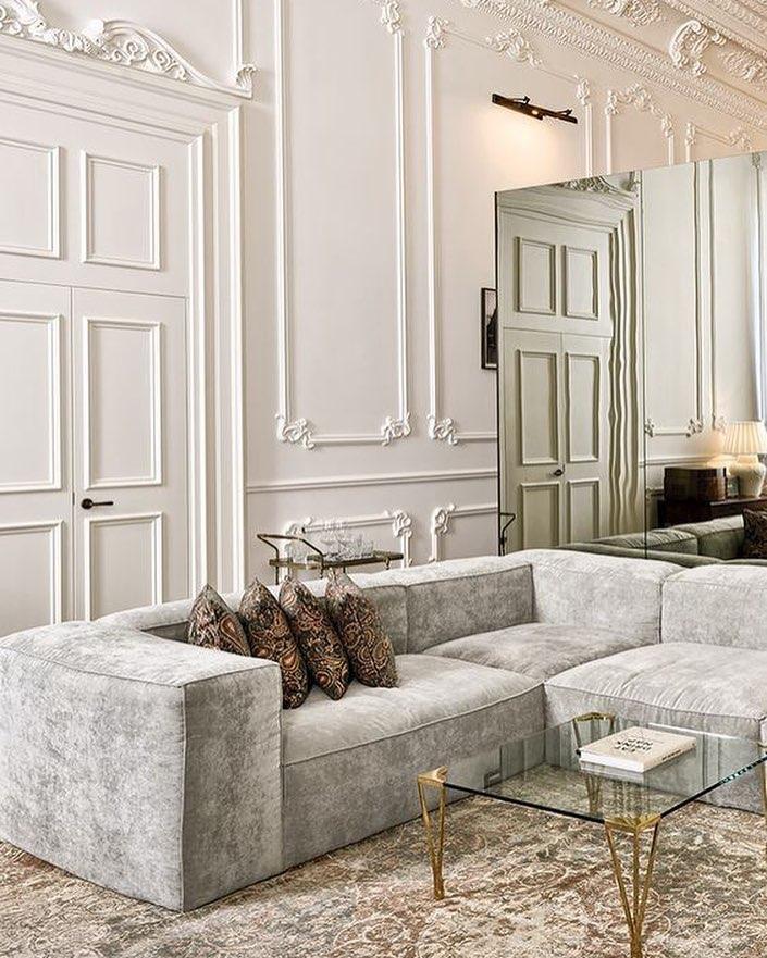 Молдинги на стенах в декоре интерьера: фото