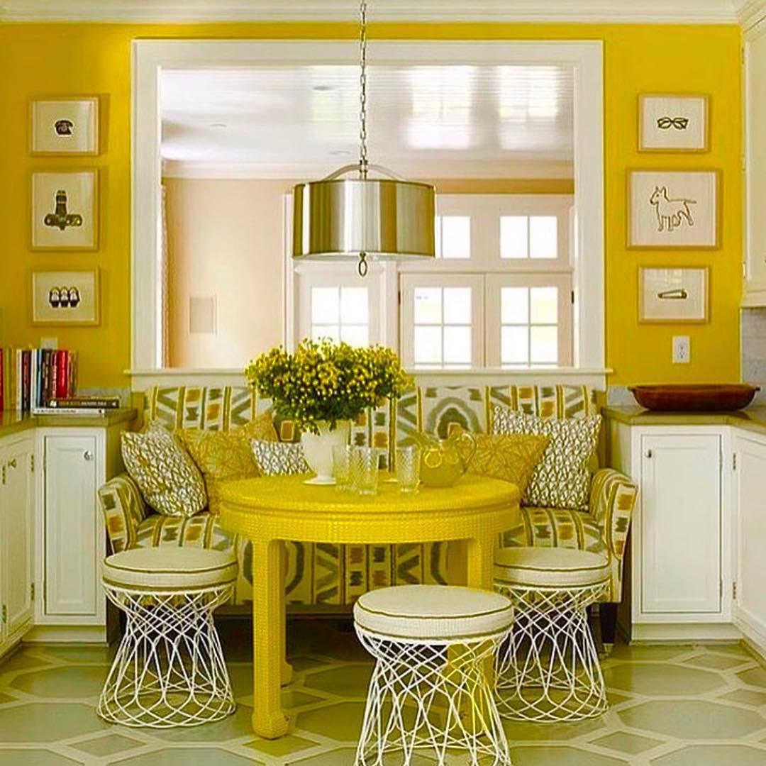 Яркий дизайн комнаты в желтых тонах
