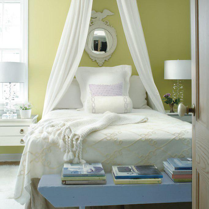 Спальня в нюдовых тонах