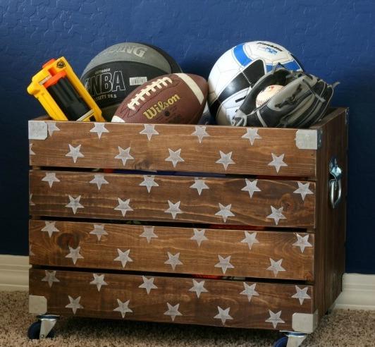 Ящик для спортинвентаря или игрушек