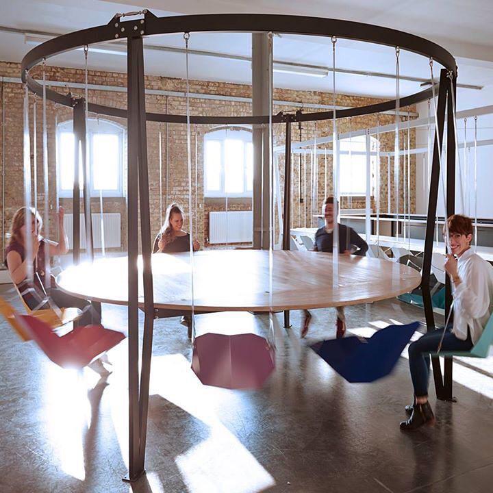 Дизайнерский круглый стол