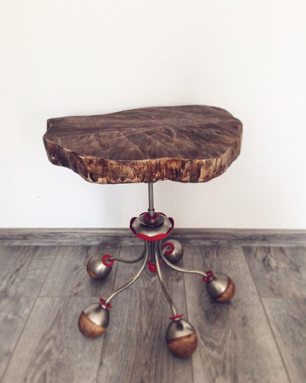 Стол из старой люстры